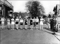 The start at Balloch Central Station in 1952 (with 10 runners!)